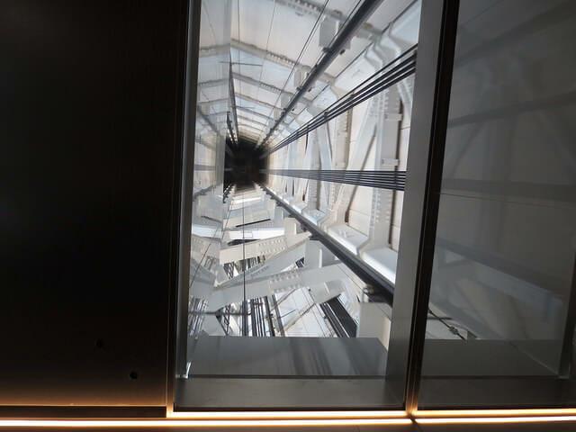 9 450mエレベーター上ガラス