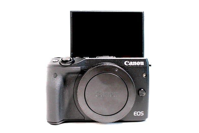 ミラーレスカメラ Canon EOS M3 ボディEVFキット 箱から出してみた 3