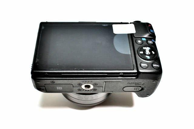 EOS M3 保護フィルム貼り付け