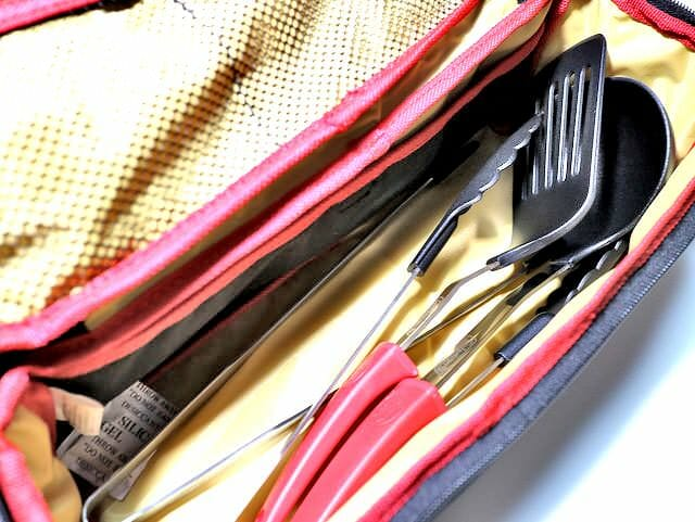キャンプ用調理器具の定番お洒落なケース付きフライ返し