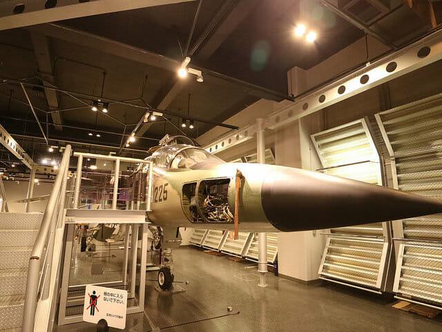 航空自衛隊浜松基地エアーパークF1戦闘機