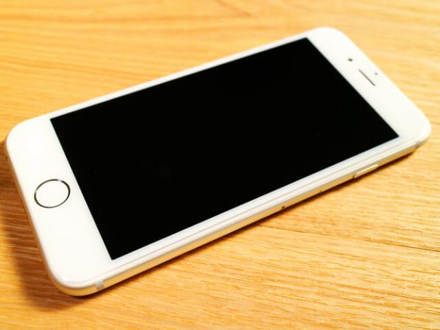 IPhone6タフ保護ケース保護ガラス取付完了