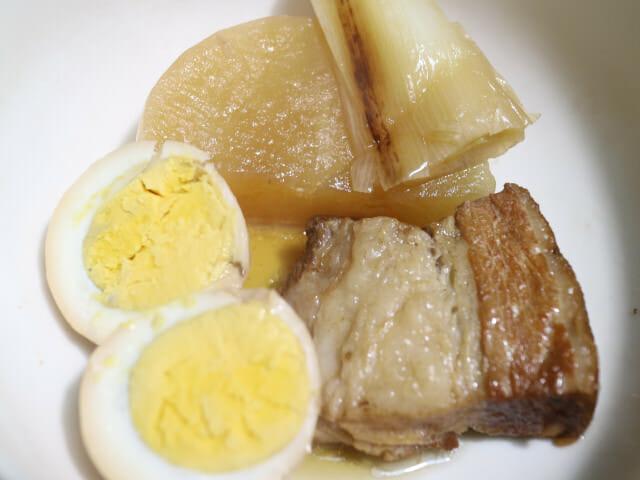 豚の角煮はゆで卵と大根は必要ですよね