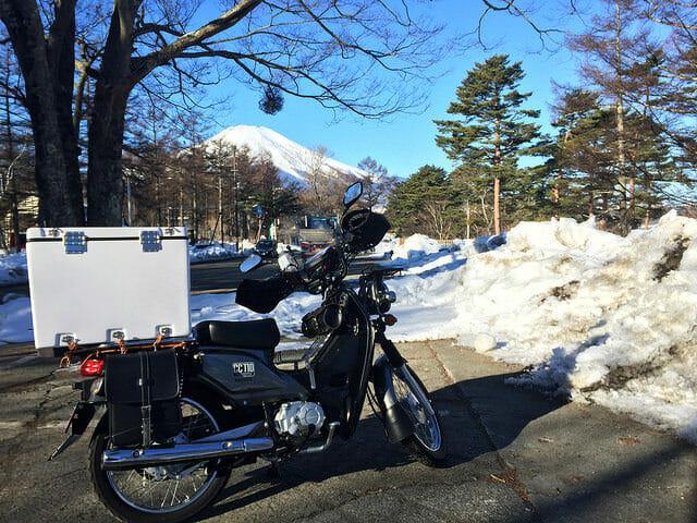 山中湖雪富士山