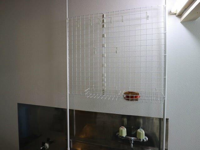 キッチンの収納力と機能性をアップする突っ張り棒収納を作ってみた