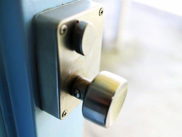 賃貸契約で鍵交換費用を半分以下に抑える方法