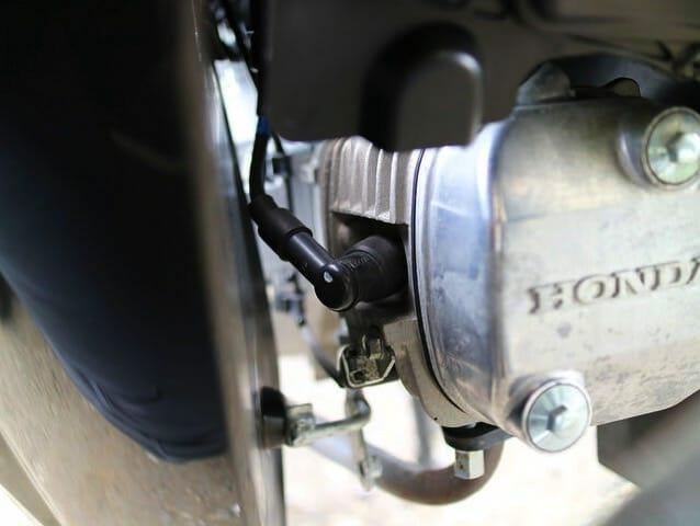 プラグ交換クロスカブエンジン