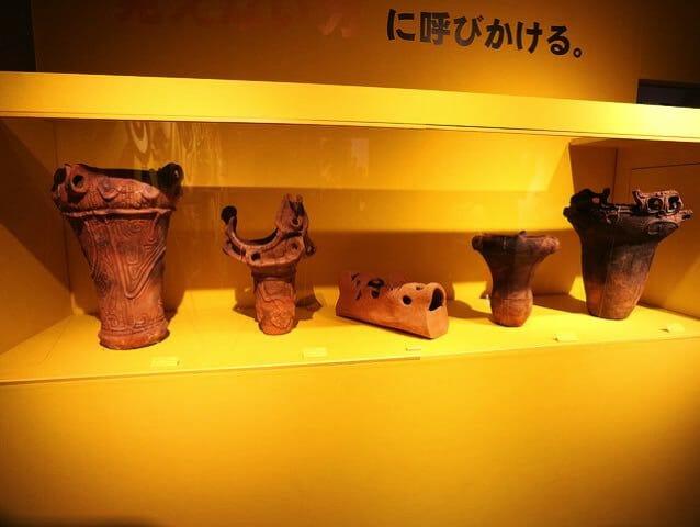 岡本太郎記念館2階右展示室縄文式土器