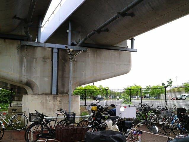 海の公園柴口駐輪場バイク