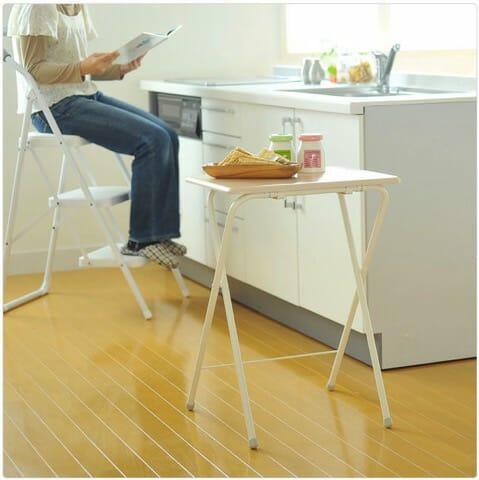 狭いキッチンには必需品!折りたたみミニハイテーブル