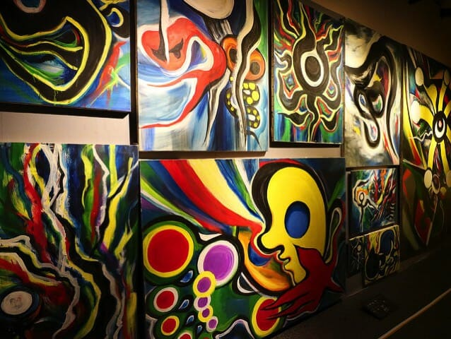 岡本太郎記念館2階右展示室絵画