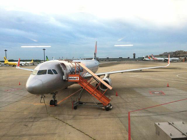 LCC格安航空機ジェットスターの機内に潜入