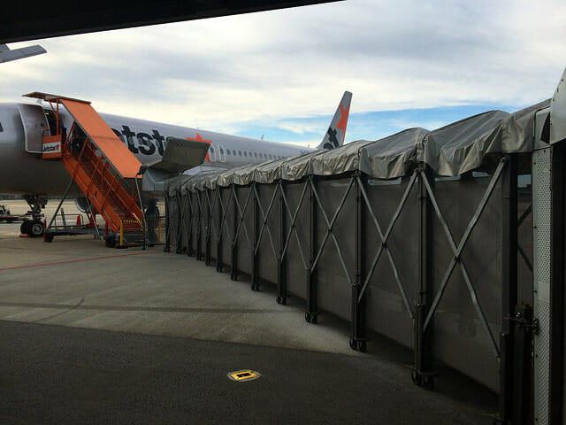 搭乗口から機内3