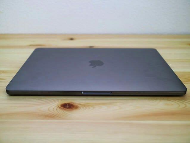 MacBookProLate2016 前面取手