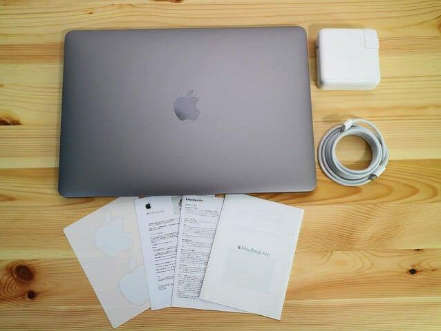 MacBookProLate2016 同梱物