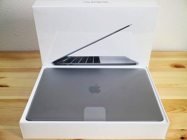MacBookProLate2016 開封の儀2