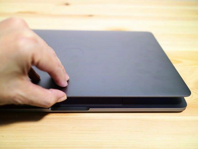 MacBookProLate2016 画面開く
