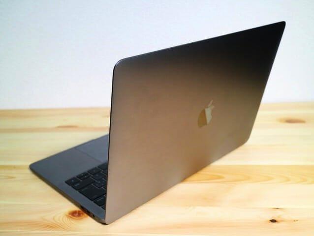 MacBookProLate2016 使用時