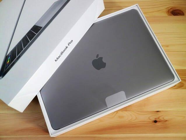 MacBook Pro(Late 2016) Touch Bar登載モデルを買ってしまった