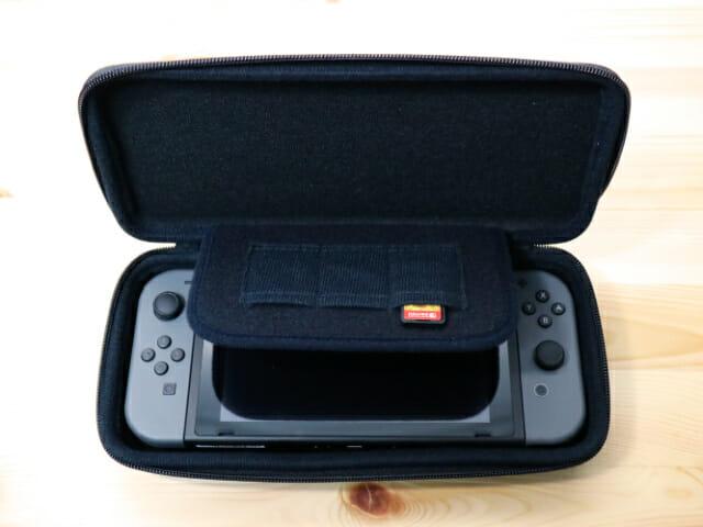 NintendoSwitch専用スマートポーチ ゲーム機入れ仕切り