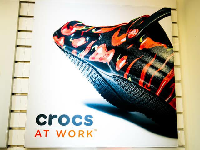 クロックスに仕事用があった crocs AT WORK