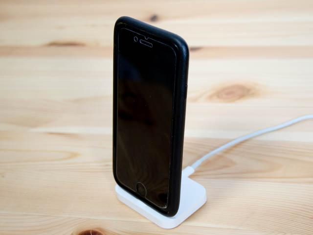 Apple純正のiPhoneスタンドLightning Dockを使ってみた