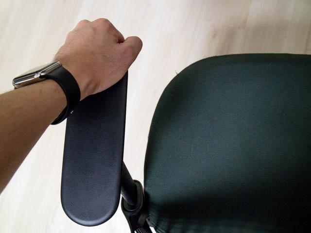 セイルチェア 修理 修理前肘掛け先端部荷重