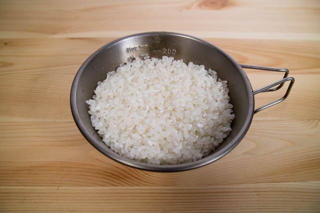 メスティン炊き込みごはん お米研ぎ