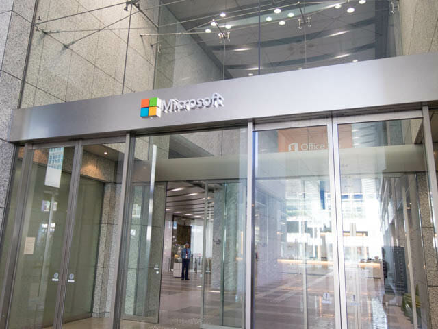 【セール】Microsoftストアで大幅ディスカウントセール開催中(Surface Pro4, Surface Book)