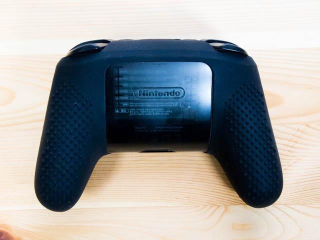 NintendoSwitch プロコンカバー シリコンカバー取り付け裏面