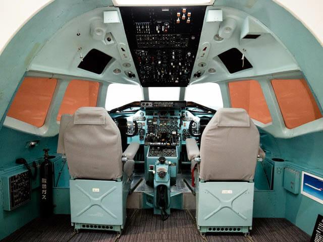 機体工場見学 JAL 12