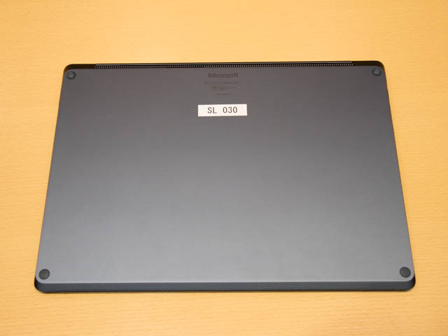 マイクロソフト 新製品Touch Tryイベント SurfaceLaptop底面