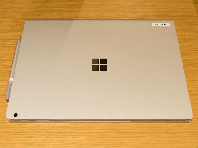 マイクロソフト 新製品Touch Tryイベント SurfaceBook2上面