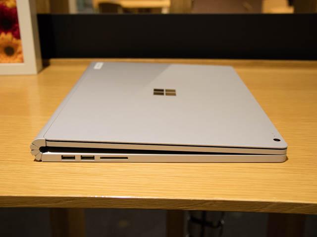 マイクロソフト 新製品Touch Tryイベント SurfaceBook2左側面