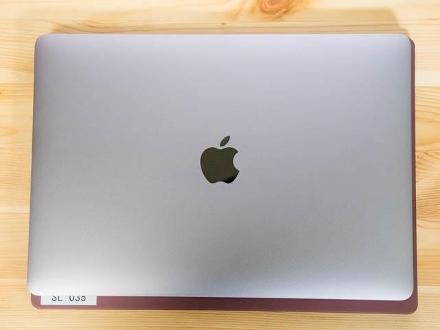 SurfaceLaptop MacBookPro比較大きさ