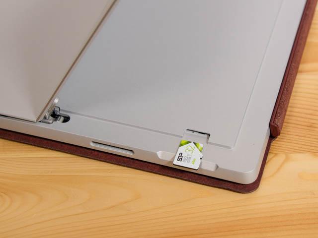 SurfacePro microSDカードスロット