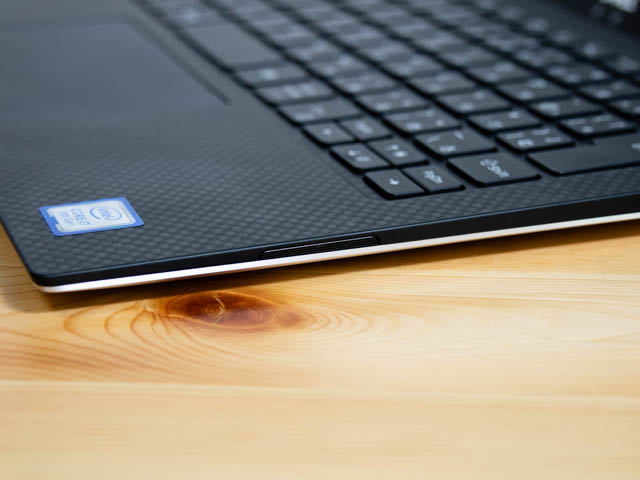 DELL XPS13 ポート 左右側面スピーカー