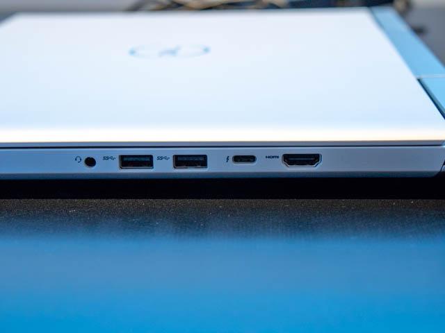 DELL新製品発表会201804 G7 15右側面ポート