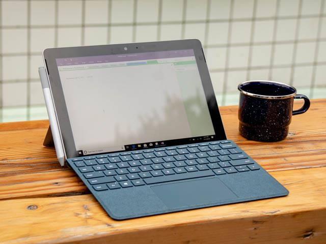 SurfaceGo ラップトップモード