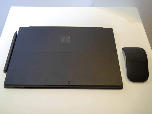 Microsoft Japan Surface Event SurfacePro6裏面