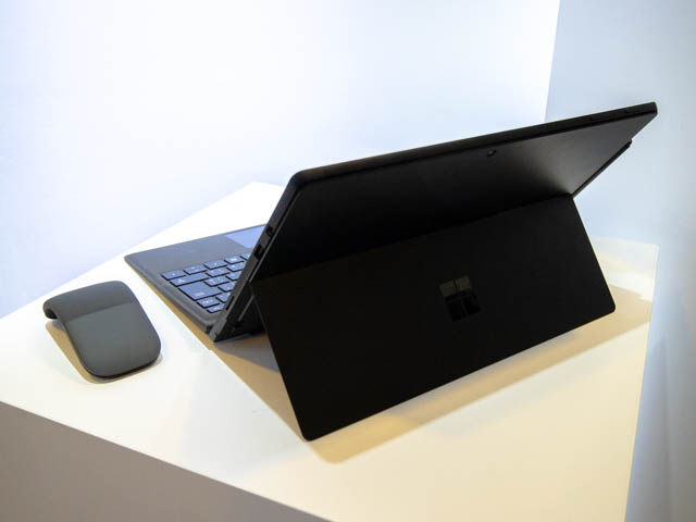 Microsoft Japan Surface Event SurfacePro6背面