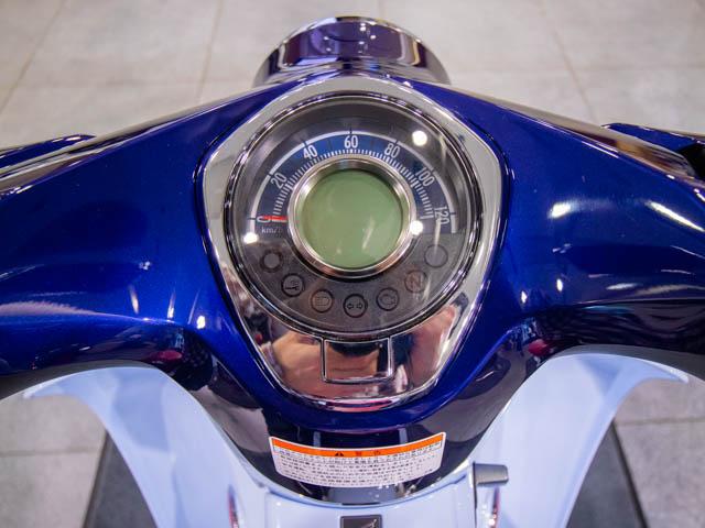 スーパーカブC125 上部前面-メーター
