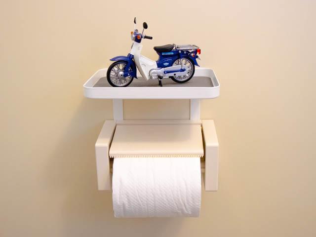 一人暮らしの狭いトイレでも簡単に収納が増やせておしゃれにできる小物置き