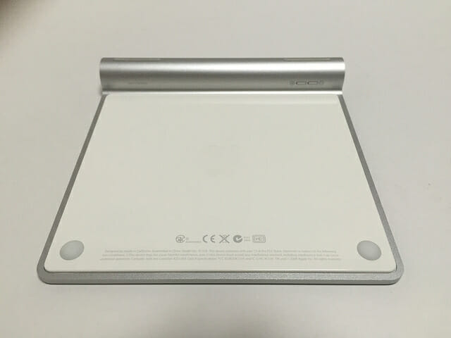 Win-Alt-とMac-optionMagic-Trackpad-裏面.jpg
