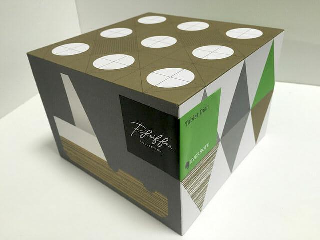 タブレット立て箱