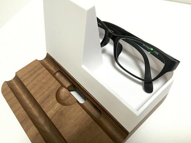タブレット立てメガネ