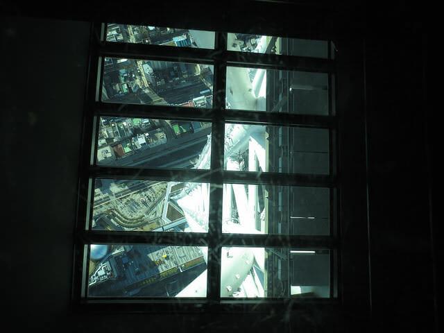 6 350m床ガラス
