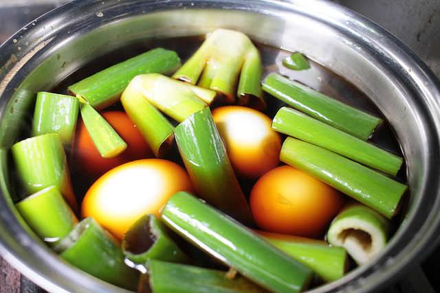 10焼豚煮汁ゆで卵