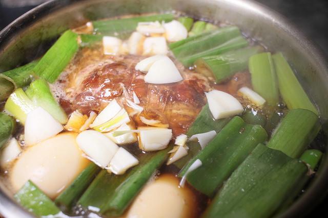 13焼豚煮汁ニンニク