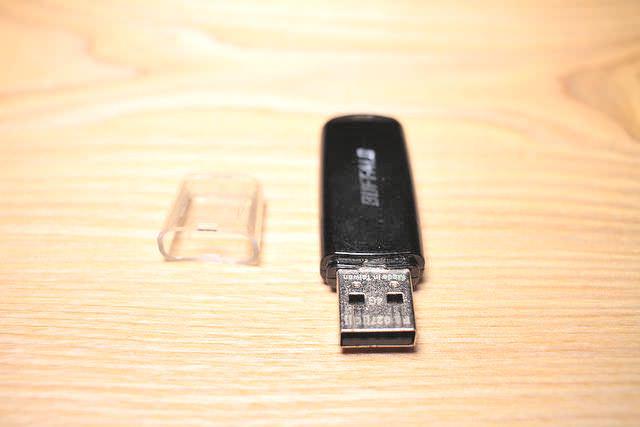 8USBメモリー USB2 0 BUFFALO 4GB